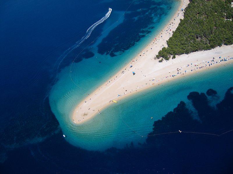 Fish picnic excursion to Island Brač   Plavi Horizont