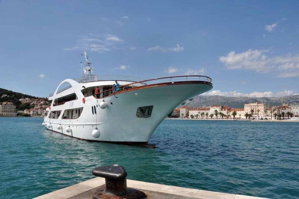 Holistic cruise along Dalmatian coast | Plavi Horizont